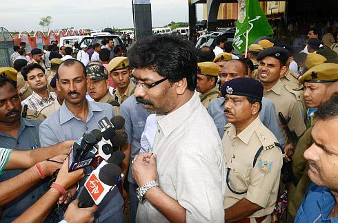 Jharkhand CM takes train to reach Dumka