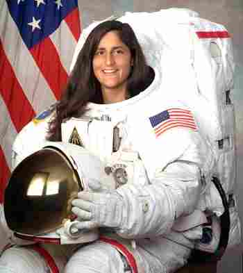 Sunita Williams floats in space,wishes every Indian happy Diwali,happy diwali recipe, happy diwali blog, say happy diwali indian, happy diwali sms hindi, say happy diwali hindi, happy diwali poem hindi, how to say happy diwali in hindi, details diwali, happy diwali , Sunita Williams