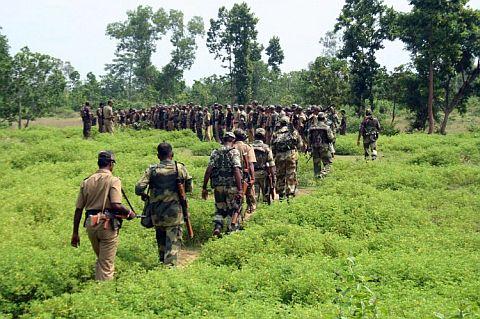 Naxals,Latehar,Latehar,Naxals, CRPF Jawans,Naxals gun down three CRPF jawans