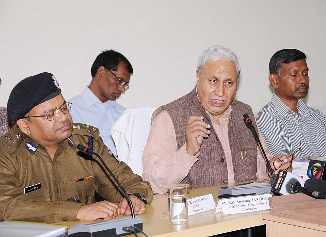 Pic :State election Commissioner Jharkhand S.D. Sharma addresses a press conference in Ranchi on Wednesday. Photo-Ratan Lal