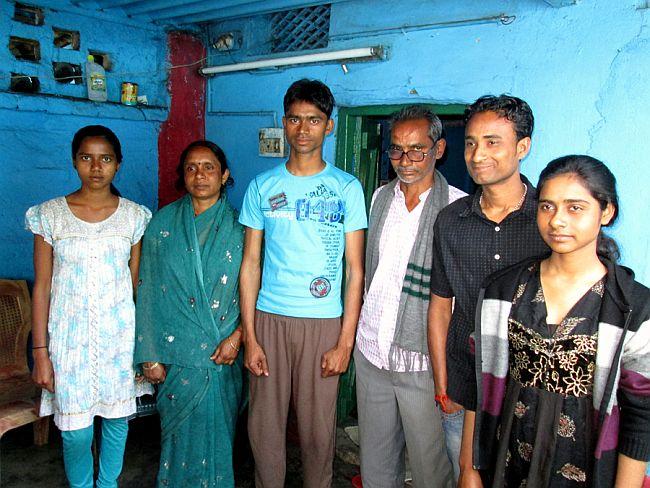 Pics:Manish and his family members at Bachra,under Khelari police station in Ranchi