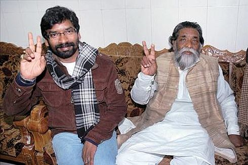 Pic shows JMM leaders Shibu Soren and his son Hemant