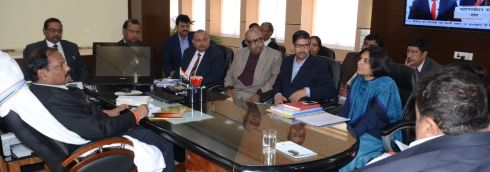 CM-Raghuwar-Das-with-senior-officers (2)