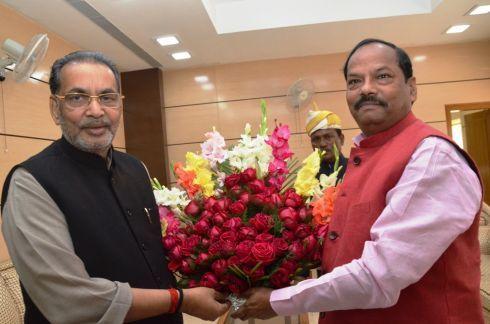 Minister-Radha-Mohan-Singh-with-Chief Minister-Raghubar-Das