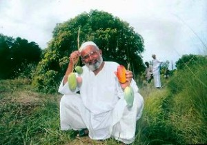 Picture shows Kalimullah with Modi Mango