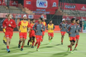 Ranchi, Jharkhand 25 January 2016 :: Ranchi Rays players during a practice session ahead their HIL match in Ranchi on Monday. Photo-Ratan Lal