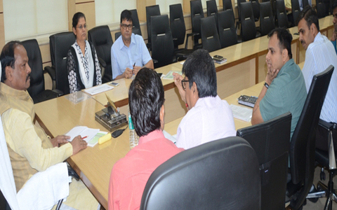 *Picture shows CM Raghubar Das reviewing works of the Energy Department in Ranchi on August 11,2016
