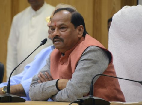 Picture shows Jharkhand CM Raghubar Das addressing a meeting of villagers of Dhenga,Barkagaon inside project Bhawan in Ranchi on August 16,2016