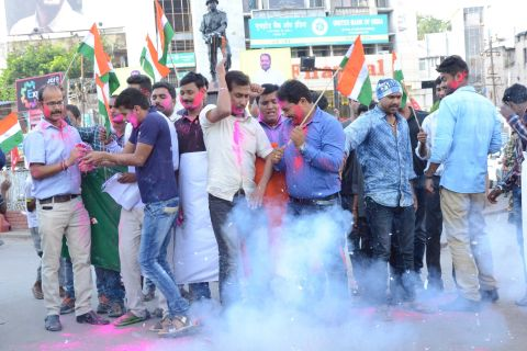 Ranchi, jharkhand 29 September 2016 :: People celebrating after India conducted Surgical Strikes across the Line of Control in Kashmir on Wednesday night, in Ranchi on Thursday. Photo-Ratan Lal