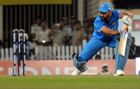 indian-beting-dhoni-12