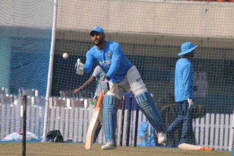 Ranchi, Jharkhand 25 October 2016 :: Indian team captain Mahendra Singh Dhoni during a practice session ahead 4th ODI against New Zealand at Jharkhand State Cricket Association (JSCA) Stadium in Ranchi on Tuesday. Photo-Ratan Lal
