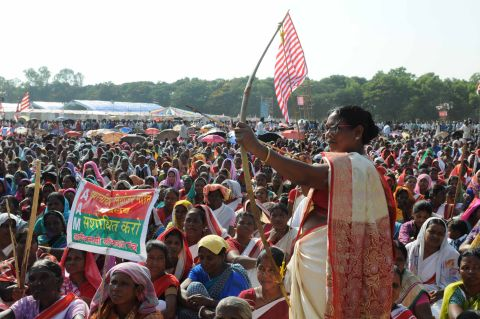 Ranchi, Jharkhand 22 October 2016 :: Tribal's attending the Aadiwasi Aakrosh Rally with bow arrows demanding for the implementation of the CNT SPT Act at Morhabadi in Ranchi on Saturday. Photo-Ratan Lal Ranchi Jharkhand 09334040016