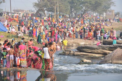 Ratan Lal's Picture shows Hindus taking  holy dip (Purnima Snan) at Swarnrekha river on the occasion of Karthik Purnima in Ranchi on Monday.