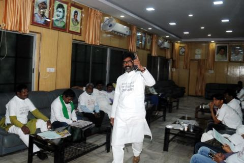 Ranchi, Jharkhand 23 November 2016 ::Opposition leader and Jharkhand Mukti Morcha (JMM) working President Hemant Soren reacts with media persons after   after Chhotanagpur Tenancy (CNT) Act and Santhal Pargana Tenancy (SPT) Act passed during ongoing Winter session at Jharkhand Assembly in Ranchi on Wednesday. Photo-Ratan Lal