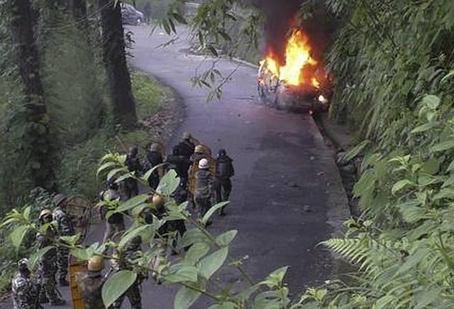 Darjeeling violencejpg-min